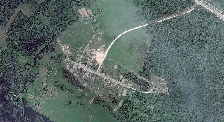 Икша — деревня в Юринском районе