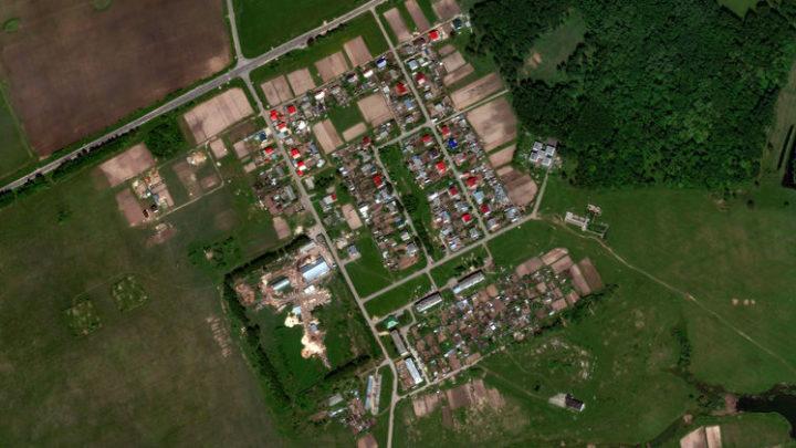 Среднее Азяково — деревня в Медведевском районе