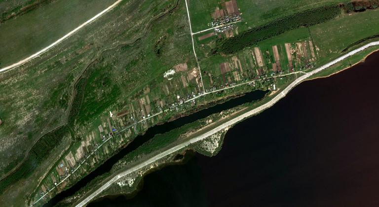 Майдан — деревня в Юринском районе