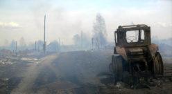 Сгоревший трактор в деревне Кузьмино Юринского района