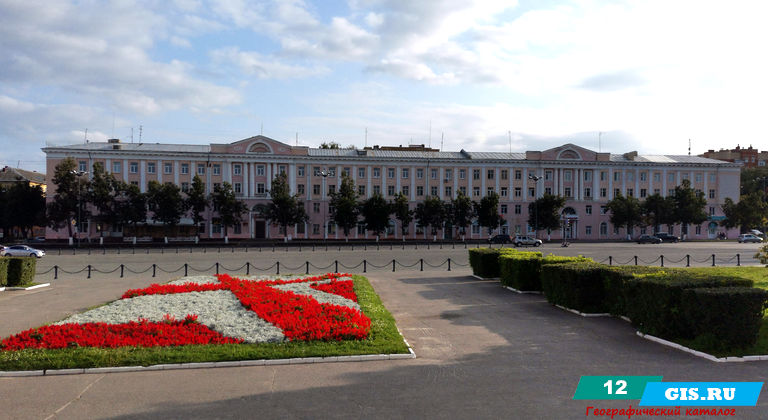 Здание бывшей гостиницы «Советская» в Йошкар-Оле