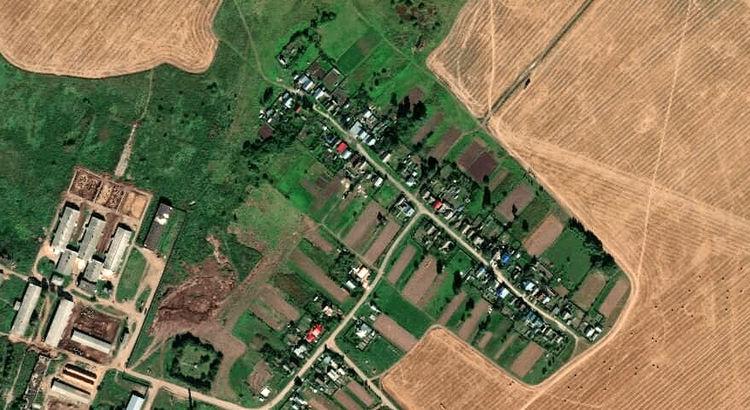 Есенейсола — деревня в Медведевском районе