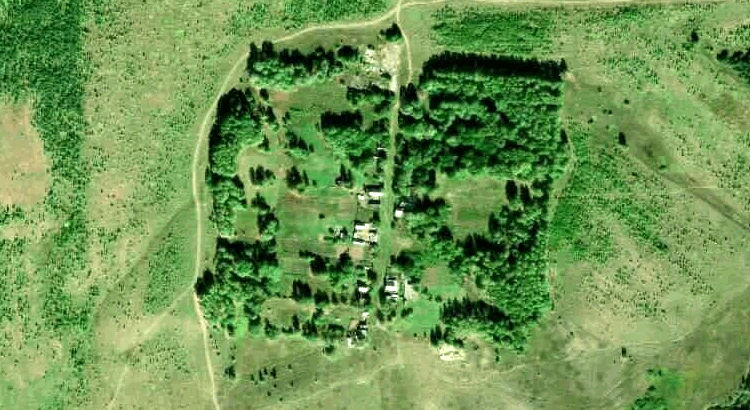 Есимбаево — деревня в Новоторъяльском районе